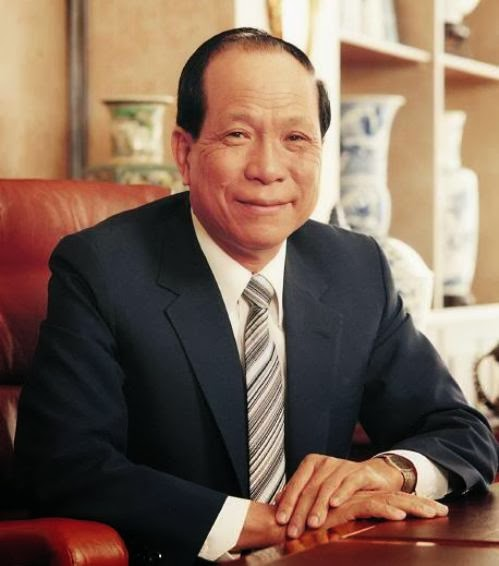 30dd7136eeec Tan Sri Lim Goh Tong is a wealthy Malaysian Chinese businessman. He was  known for his vision and courage in transforming Genting Highlands from an  ...